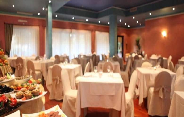 Geovillage Sport & Wellness Resort - Restaurant - 19