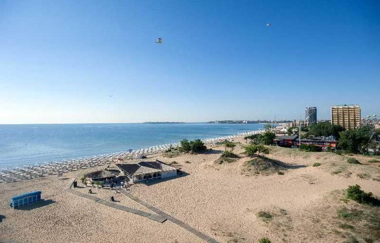Viand - Beach - 5