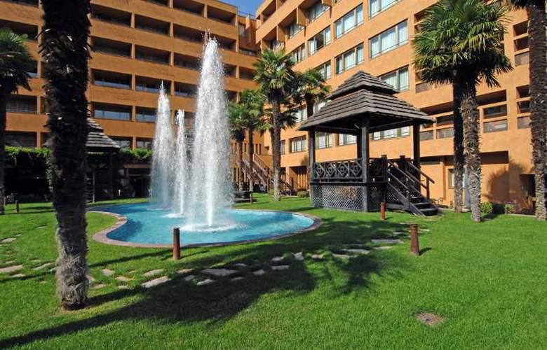 Royal Hotel Carlton - Hotel - 0