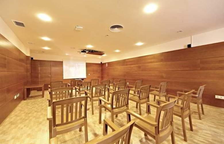 Zafiro Menorca - Conference - 17