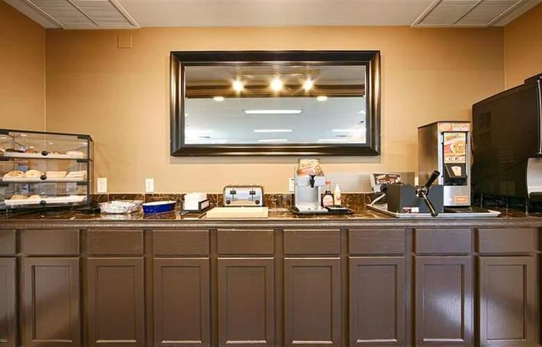 Best Western Lakewood Motor Inn - Restaurant - 24