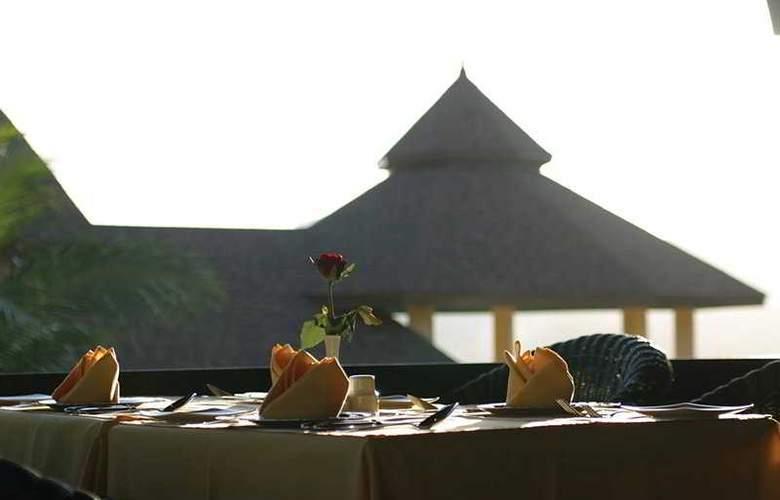 The Mangosteen Resort & Spa - Restaurant - 11