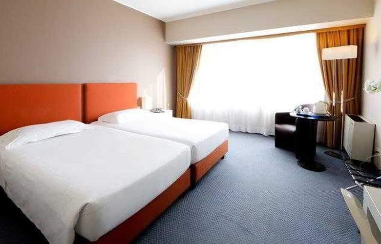 Blaise & Francis - Room - 9