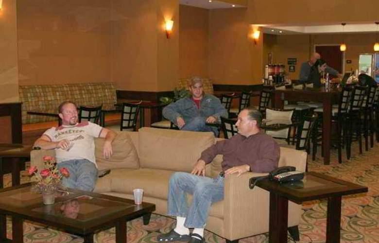 Hampton Inn & Suites Ft. Worth Burleson - Hotel - 2