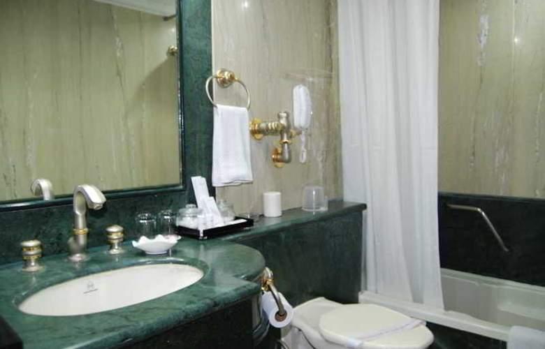 Raj Park - Room - 8
