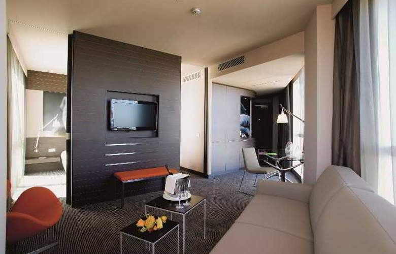 Novotel Barcelona City - Room - 22