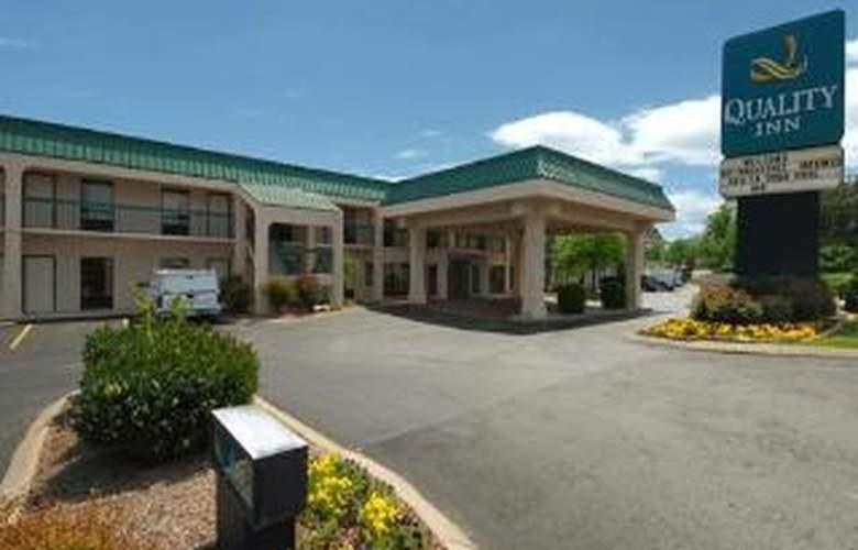 Quality Inn Goodlettsville - Hotel - 0