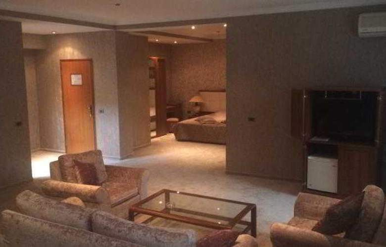 Abu Arena Hotel - Room - 3
