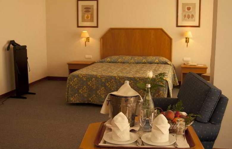Santarem Hotel - Room - 4