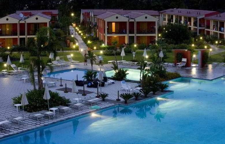 VOI Baia di Tindari Resort - Hotel - 0