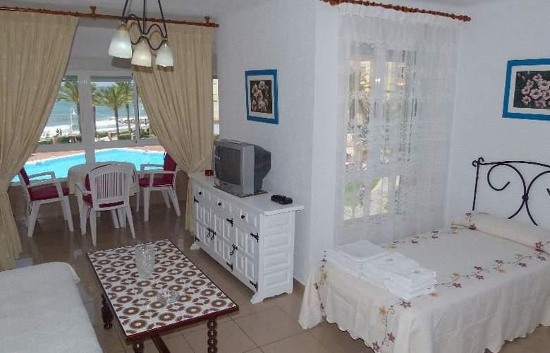 Apartamentos Intercentro (Algarrobo-Costa) - Room - 4