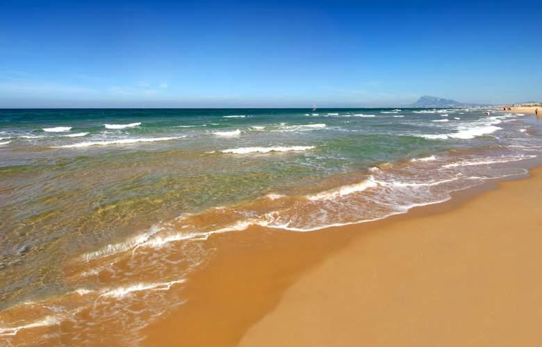 Oliva Nova Beach & Golf Resort - Beach - 14