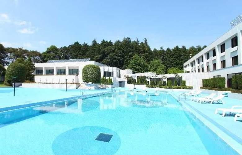 Radisson Narita - Pool - 10