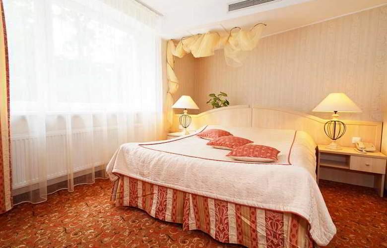 Ratonda Centrum - Room - 5
