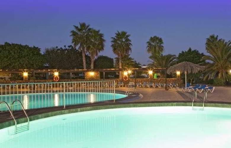 Playa Limones - Pool - 9
