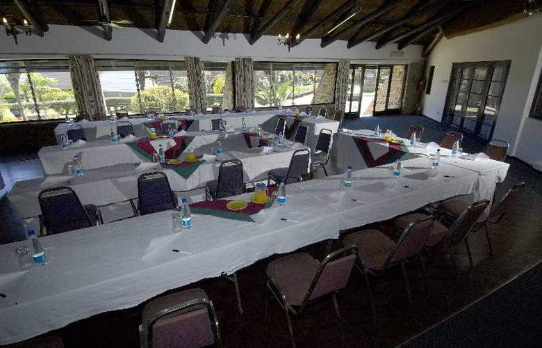 Great Zimbabwe - Conference - 3