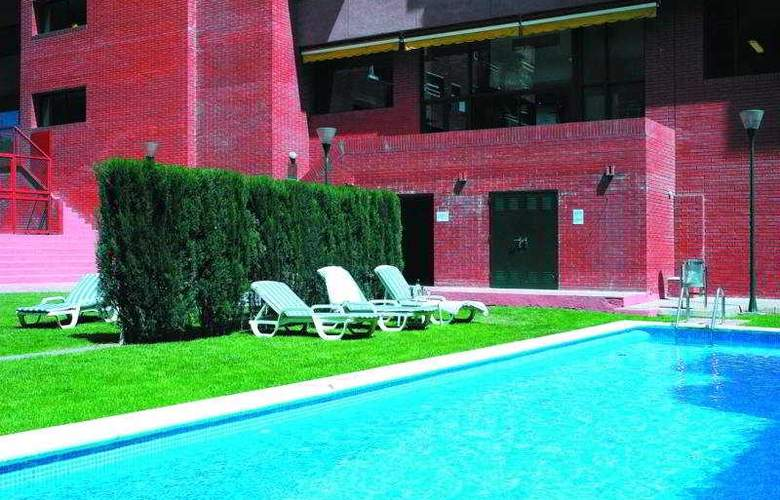 Hesperia Sant Joan Suites - Pool - 5