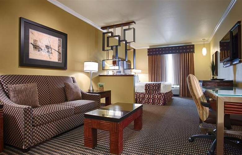 Best Western Plus Christopher Inn & Suites - Room - 165