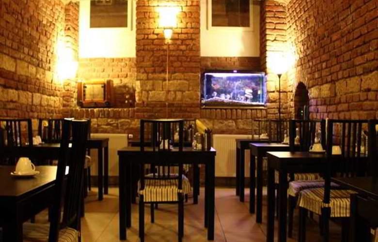 Hotel Trevi - Restaurant - 13