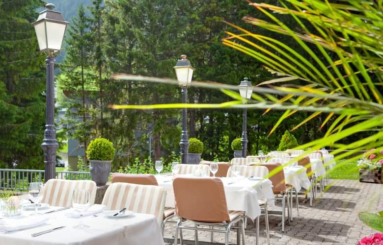 Kongress Hotel Davos - Terrace - 11