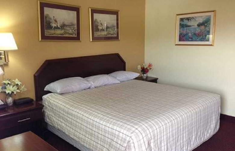 Econo Lodge West - Room - 1