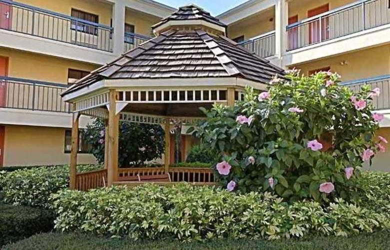 Courtyard Orlando Lake Buena Vista at - Hotel - 1