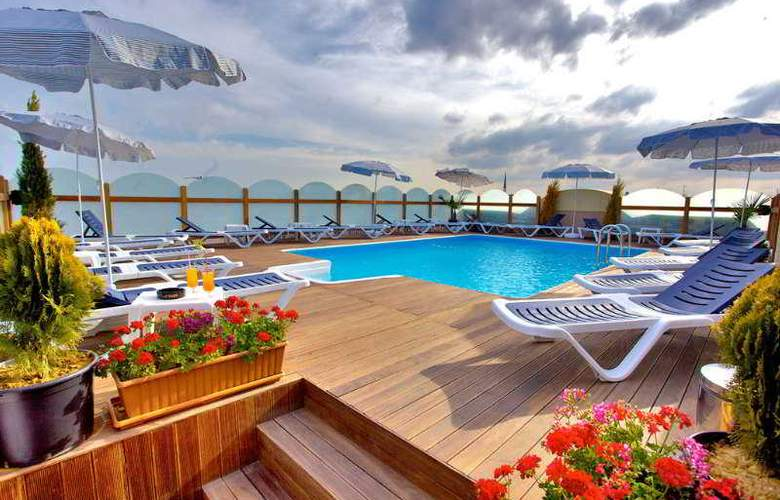 Istanbul Trend - Pool - 6