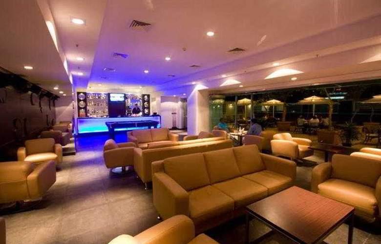 Radha Regent Bangalore - Bar - 8