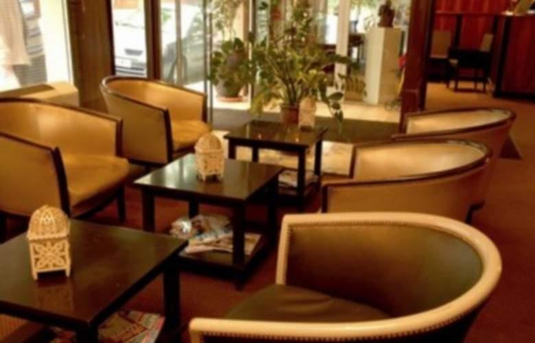 Park Hotel Perpignan - Hotel - 9