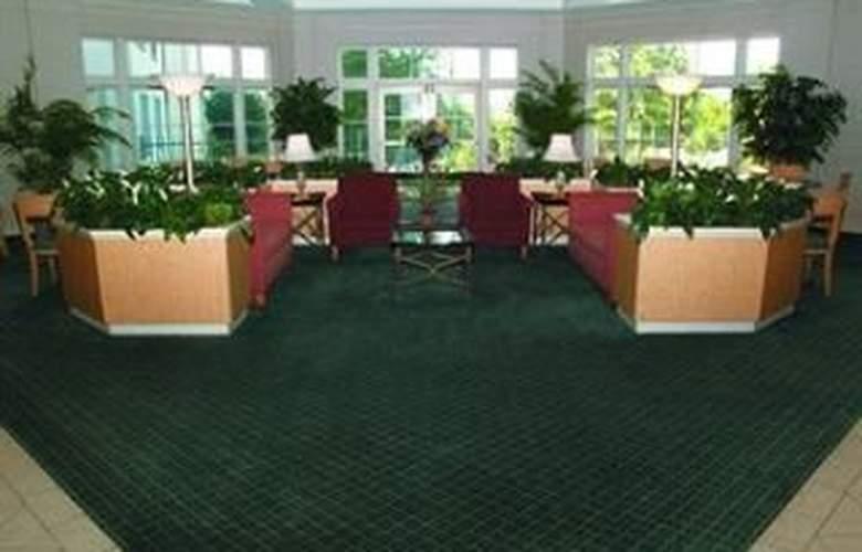 La Quinta Inn & Suites Dallas/North Central - General - 2
