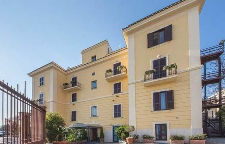 Romoli - Hotel - 0
