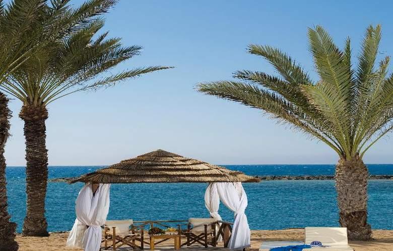 Constantinou Bros Athena Royal Beach Hotel - Beach - 17