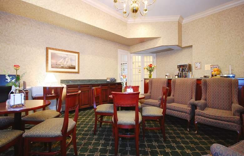 Best Western Plus Seaport Inn Downtown - Meals - 52