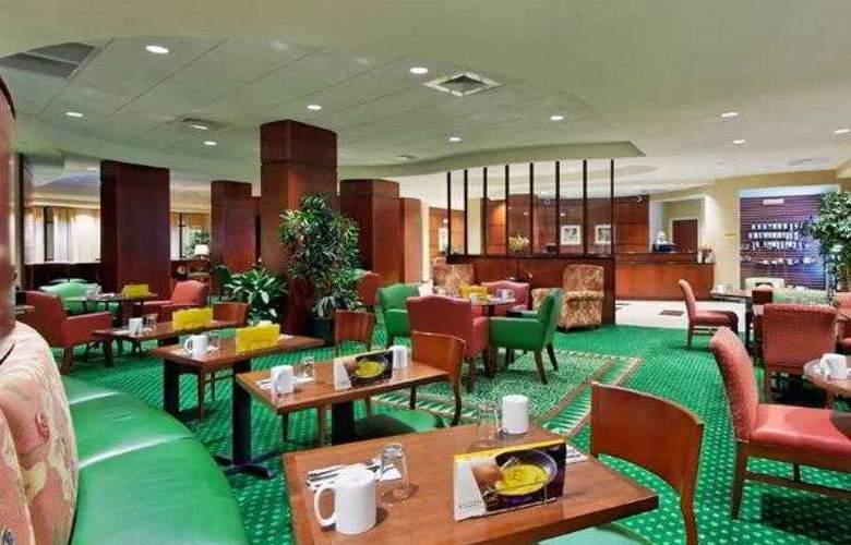 Courtyard Austin Airport - Hotel - 2