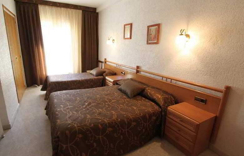 Hotel Catalunya - Room - 3