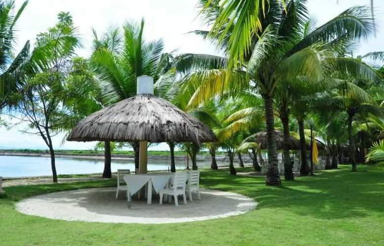 Cordova Reef Village Resort - Beach - 35