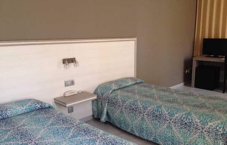 Planas - Room - 15