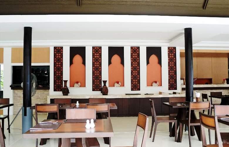 Iyara Beach Hotel & Plaza - Restaurant - 13
