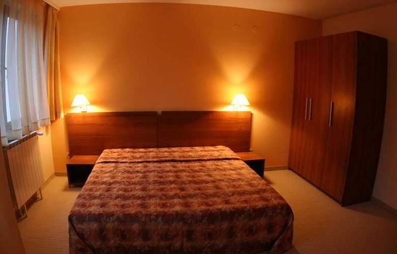 Villa Park - Room - 4
