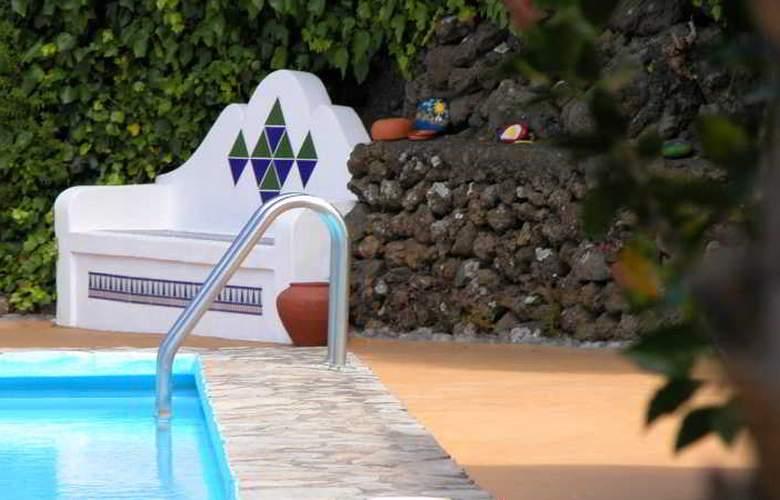 Apartamentos Miranda - Pool - 25