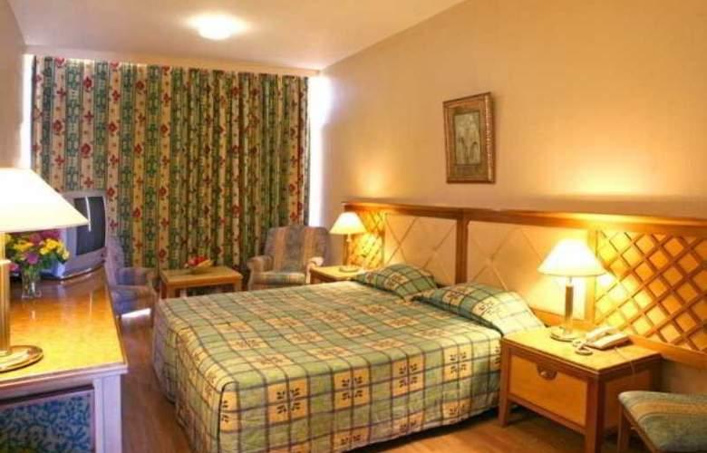 Estella Apartments - Room - 1