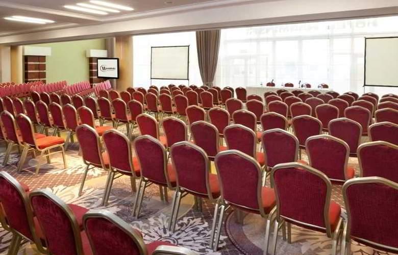 Warminski - Conference - 14