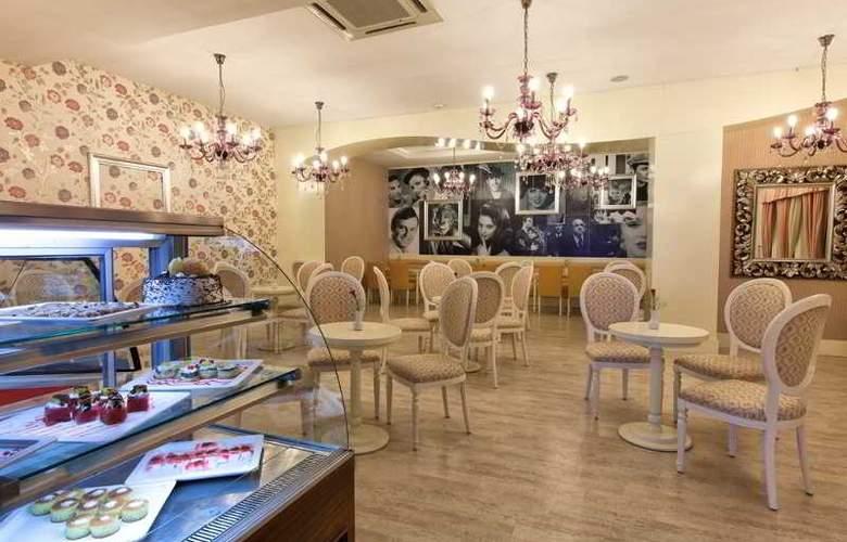 Adalya Resort Spa Hotel - Restaurant - 33