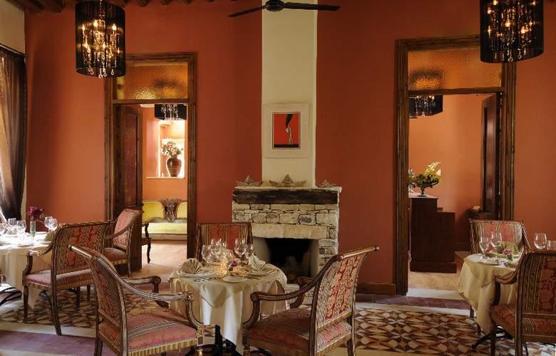 Library Hotel Wellness Retreat - Restaurant - 0