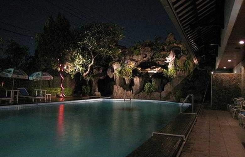 Puri Artha - Pool - 3