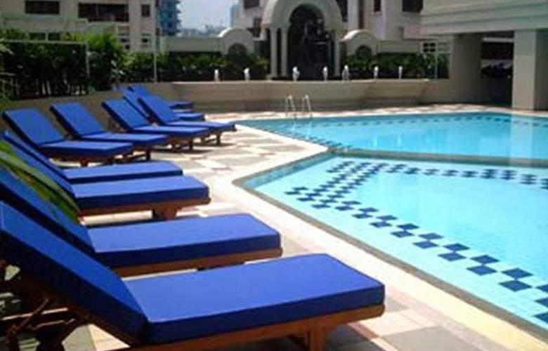 Bliston Suwan Park View Bangkok - Pool - 6