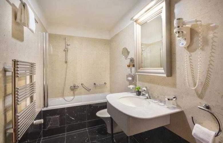 Best Western Premier Astoria - Hotel - 17