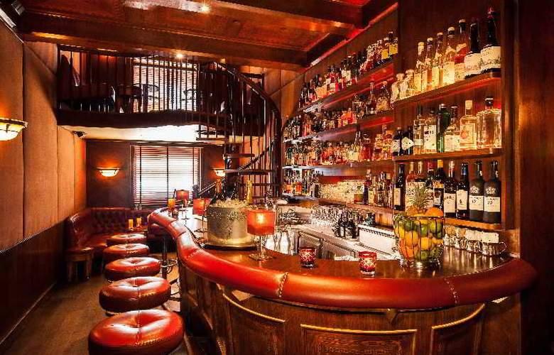 Fairmont Vier Jahreszeiten - Bar - 10