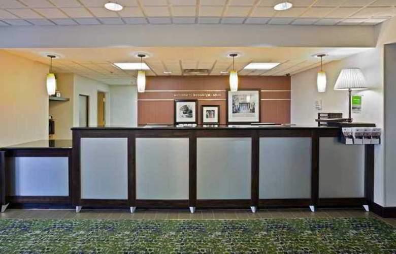 Hampton Inn Cleveland Airport-Tiedeman Rd - Hotel - 1