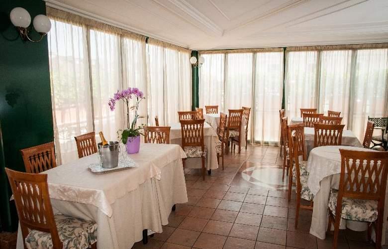 The Palladium Palace - Restaurant - 11